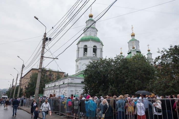 Десница Спиридона Тримифунтского в Красноярске, в Екатеринбурге ей поклонились более 60 тысяч человек