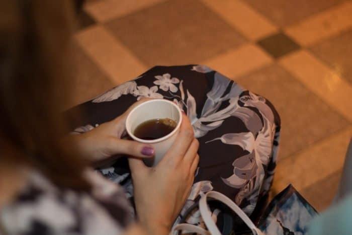 В Хабаровске стартовал новый проект под названием «Серьезные разговоры с малиновым вареньем»