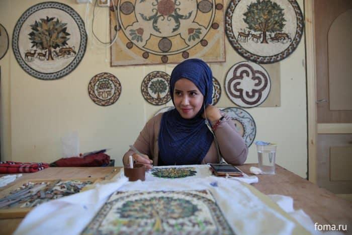 «Многие думают, что мы наживаемся на людях»: удивительная история русской девушки из Иордании