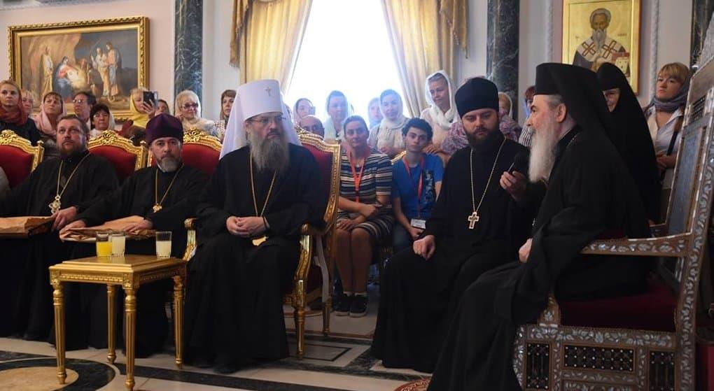 Держитесь своего Предстоятеля, - Патриарх Иерусалимский Феофил III - верующим Украины