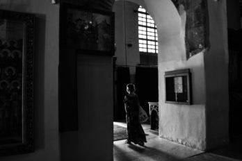 Русская паломница Анастасия в храме Димитрия Солунского. Фессалоники. Фото Александры Анисимовой