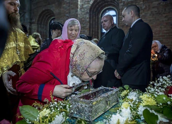 Деснице Спиридона Тримифунтского поклоняются в Кемерове