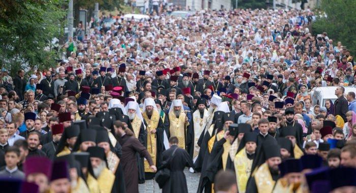 Свыше миллиона верующих канонической Церкви просят Президента Украины защитить их права