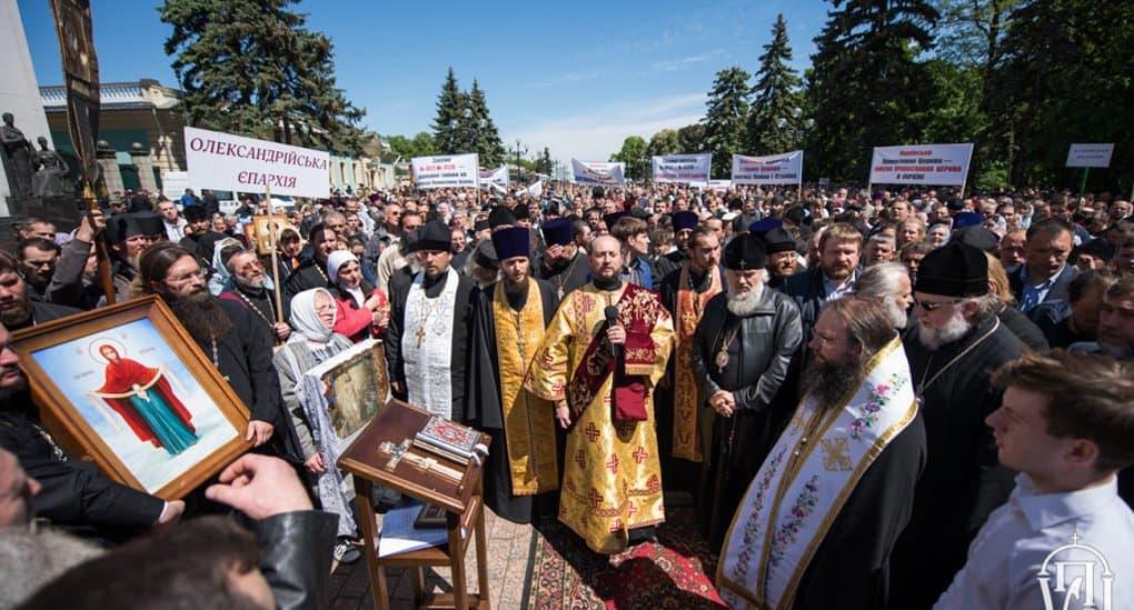 Для верующих Украины наступает момент истины, - церковный историк Владислав Петрушко