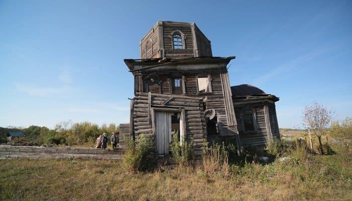 Уникальная Покровская церковь сгорела в рязанском селе Лався