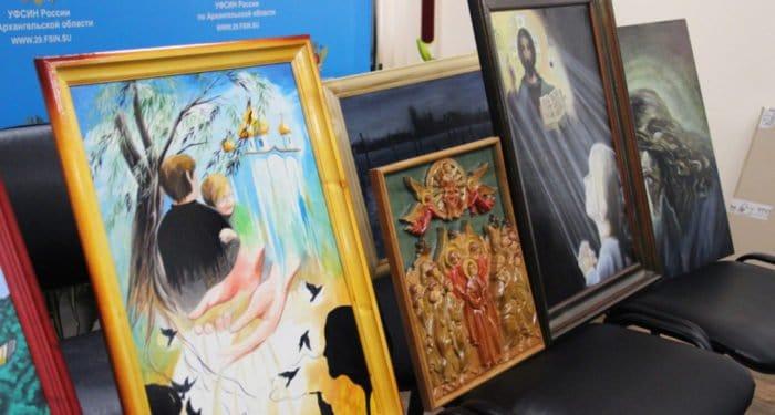 В Архангельской области заключенные написали картины на тему веры