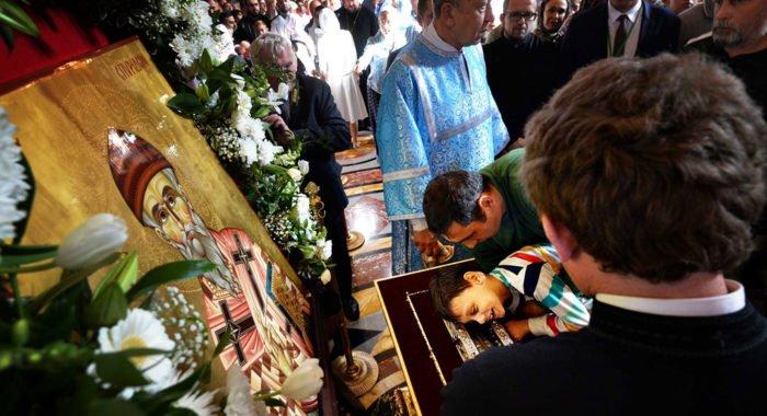 Более 100 тысяч человек уже поклонились в Москве деснице Спиридона Тримифунтского