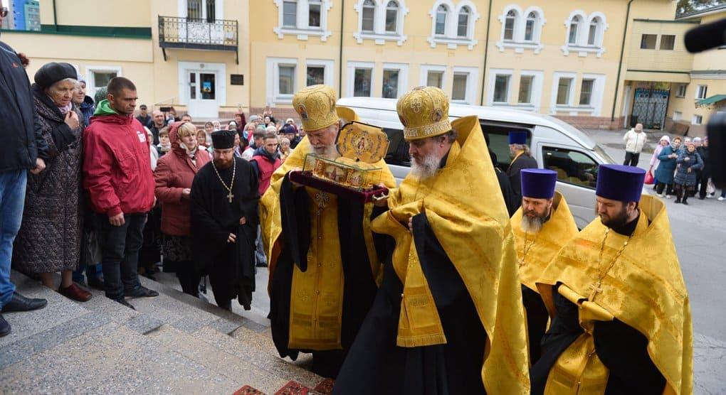 После Владивостока мощам святителя Луки Крымского поклоняются в Новосибирске