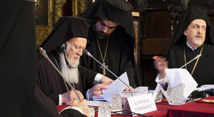 Константинополь намерен распустить Архиепископию православных русских церквей в Западной Европе, - СМИ