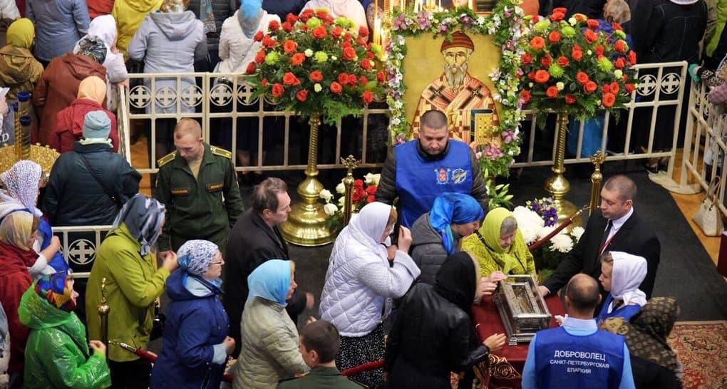 Более миллиона верующих поклонились в России деснице Спиридона Тримифунтского
