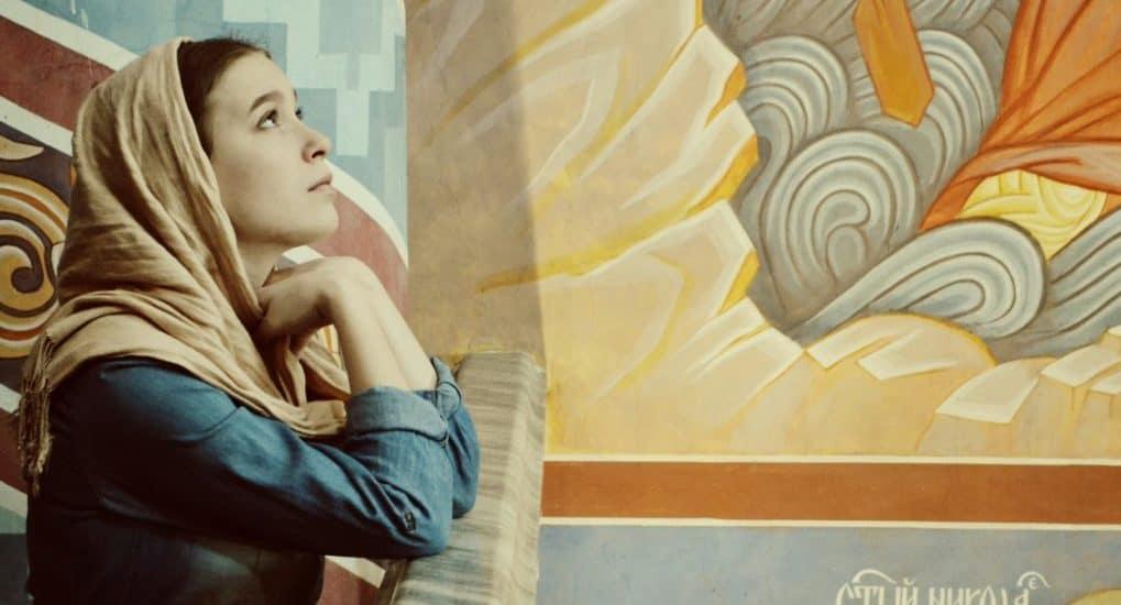 Можно ли женщине менять род слов в молитвах на женский?