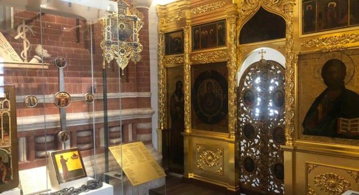 Спустя 90 лет на Красной площади открылась церковь Иоанна Блаженного с мощами святого