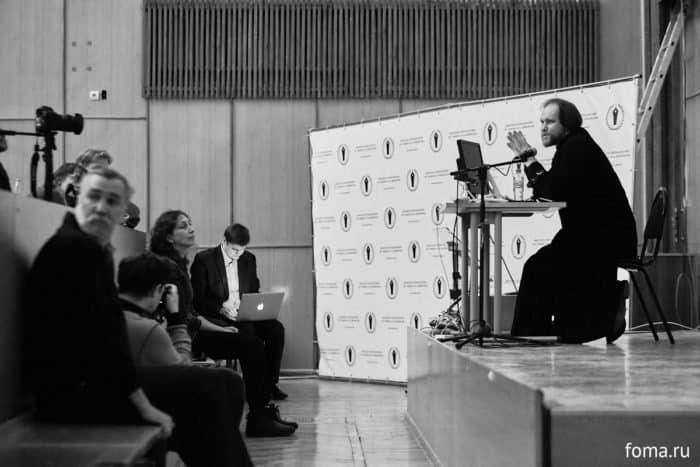 В МГУ прошла встреча с заведующим Фотослужбой Патриарха Кирилла священником Игорем Палкиным
