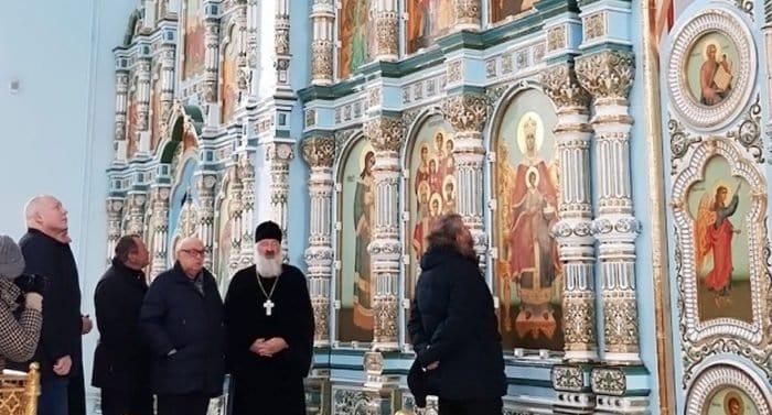 Самый большой керамический иконостас в Москве установили в храме в Чертанове