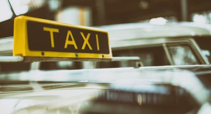 Для инвалидов в Москве создадут городскую службу такси
