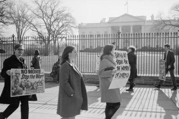 anti-vietnam-war-demonstration-185127326-57af584f5f9b58b5c2b2220a