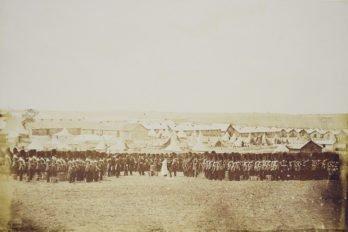 Богослужение в лагере гвардейцев