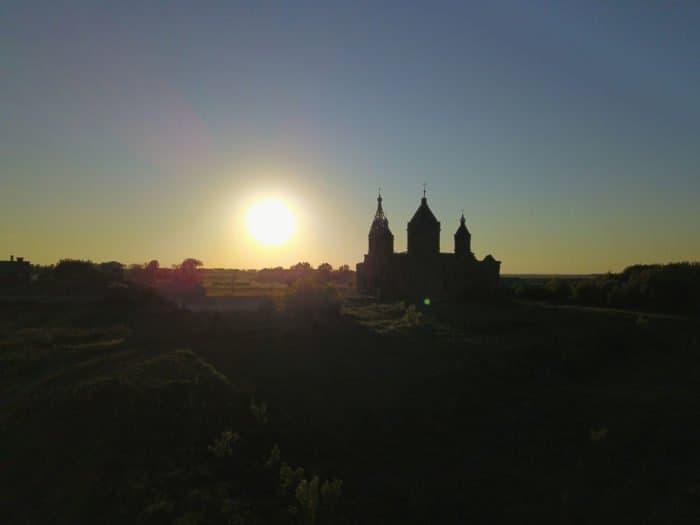 10 потрясающих фотографий одного храма