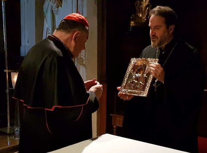Католики подарили русскому храму в Праге частицу мощей Людмилы Чешской