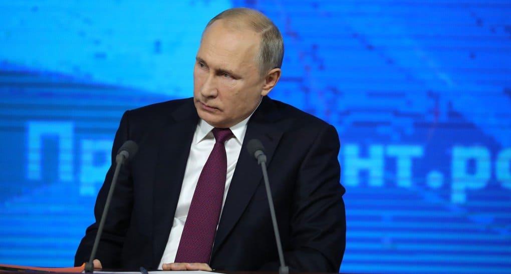 Россия не вмешивается в дела на Украине, но томос об автокефалии – нарушение канонов, - Владимир Путин