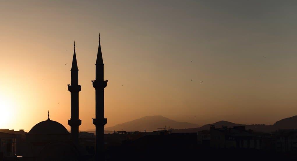 Каким именем - русским или татарским - поминать дома мусульманина?