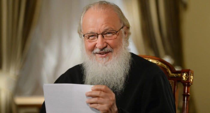 Что Патриарх Кирилл советует повесить в комнате