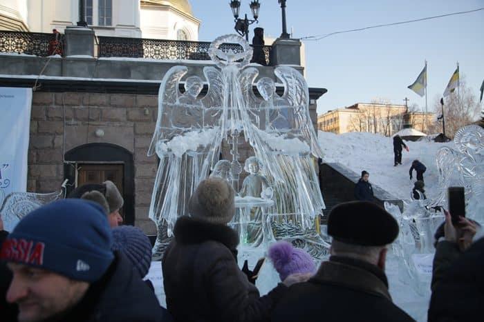 Фестиваль ледовых скульптур «Вифлеемская звезда» прошел в Екатеринбурге