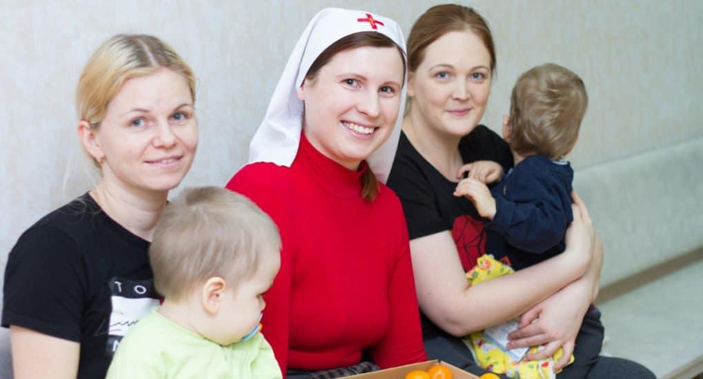 Марафон поздравлений: Рождество Христово в больницах и приютах