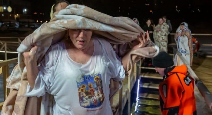 В крещенских купаниях приняли участие более 2,4 млн. россиян