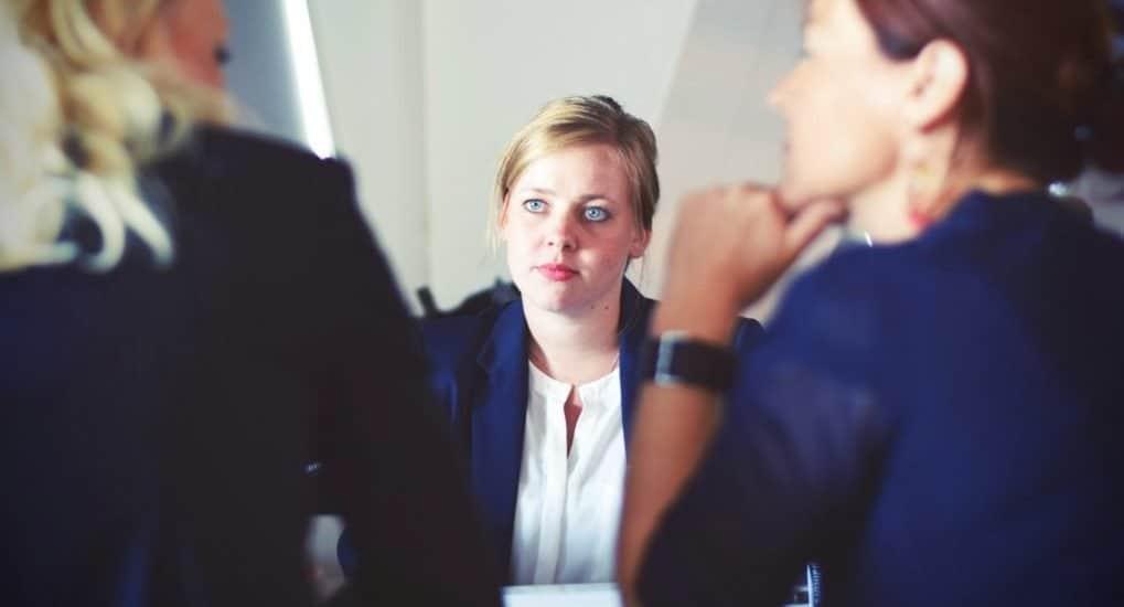 Женский коллектив. Как общаться с коллегами без сплетен и осуждения?