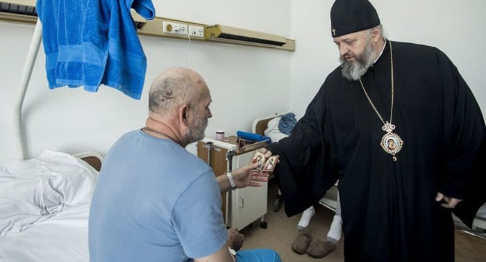Духовенство Кузбасса молится о шахтерах, погибших и пострадавших сразу в двух авариях