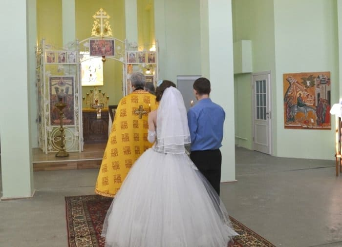 В новом храме петербургских «Крестов» впервые совершили венчание