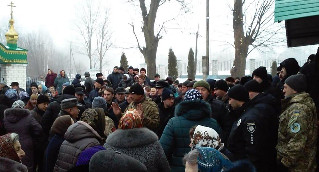 На Тернопольщине сторонники ПЦУ избили настоятеля храма канонической Церкви