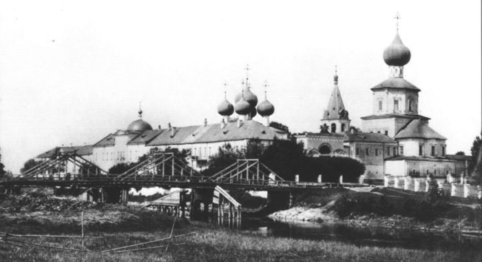 В одном из древнейших монастырей Твери спустя век возобновляются богослужения