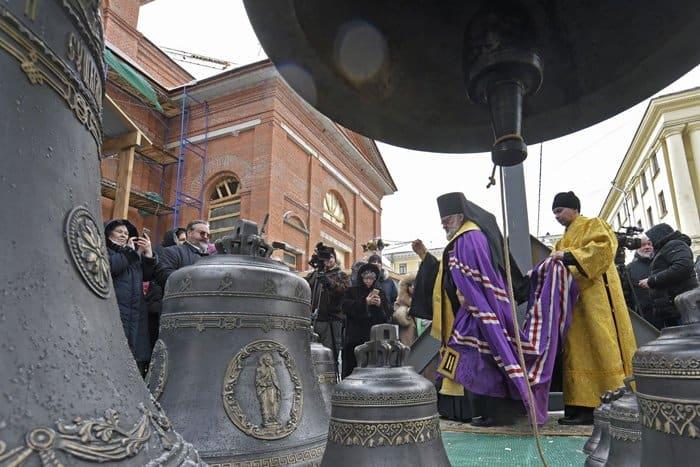 Для восстанавливаемого в Петербурге «храма строителя» освятили колокола