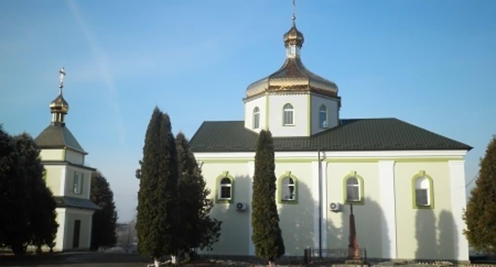 Раскольники захватили еще ряд храмов канонической Церкви в четырех областях Украины