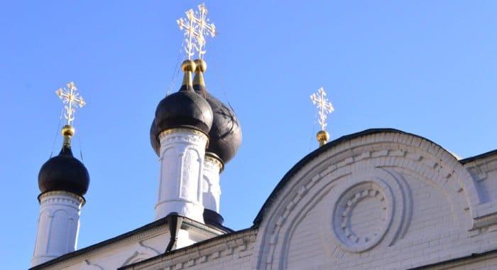 Саранские журналисты получили подписку на «Фому» за «повторное открытие» старейшего храма Мордовии