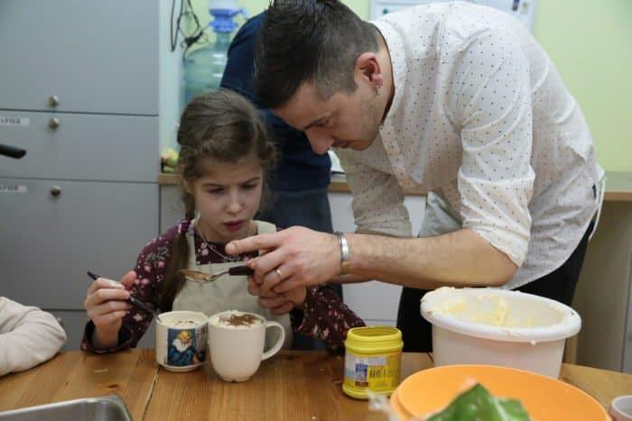 Контрабас и тирамису в день рождения Свято-Софийского социального дома