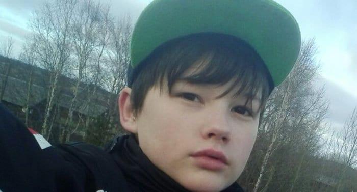 Школьника Ивана Крапивина, защитившего мать и погибшего, наградили посмертно