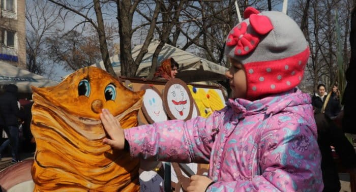 Блины для добрых дел: Масленица в помощь детям с ОВЗ