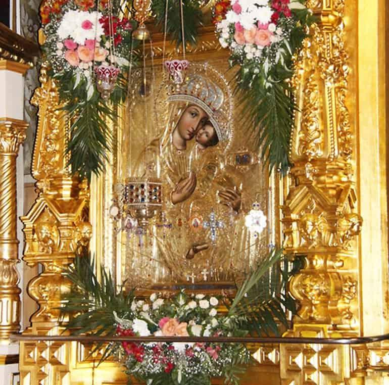Церковь чтит Корецкую икону Божией Матери «Споручница грешных»