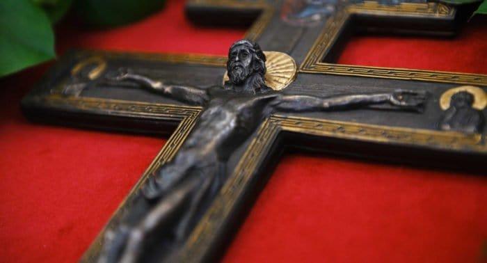 Церковь празднует Неделю Крестопоклонную