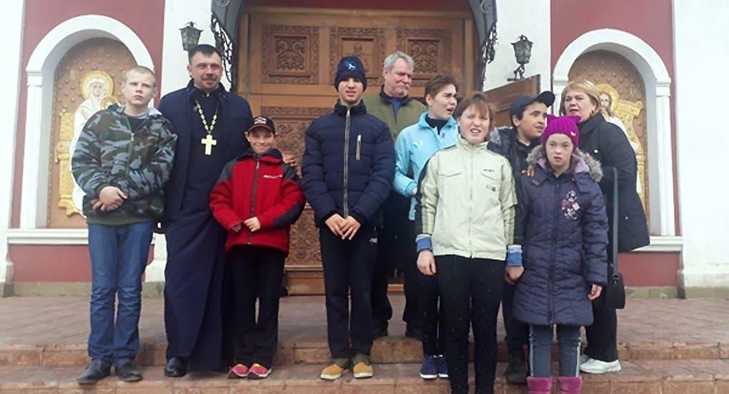 В храме Кривого Рога мальчик-аутист сказал свое первое слово, приложившись к иконе Николая Чудотворца