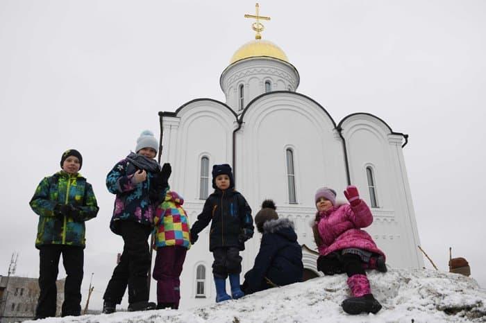 Патриарх Кирилл освятил храм Александра Невского, построенный на месте боев за Москву в 1941-м
