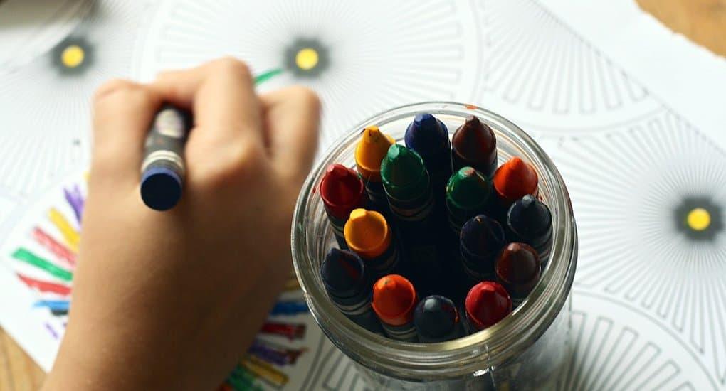 Стартовал конкурс на лучшие детские рисунки, которые украсят почтовые конверты