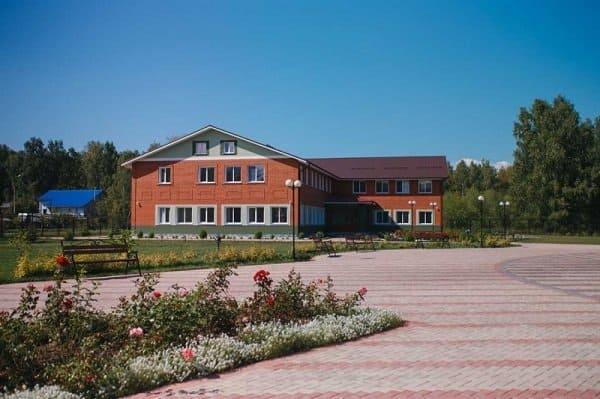 Центр реабилитации детей с инвалидностью открыла Церковь в Бердске