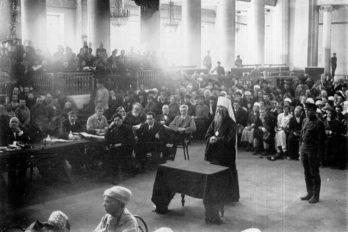 Допрос обвиняемого - митрополита Петроградского Вениамина на судебном процессе по делу об изъятии церковных ценностей