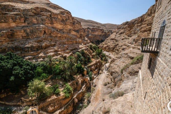 Иудейская пустыня в ожидании Пасхи: 20 потрясающих видов - фото 1