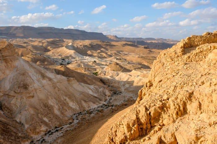 Иудейская пустыня в ожидании Пасхи: 20 потрясающих видов - фото 9