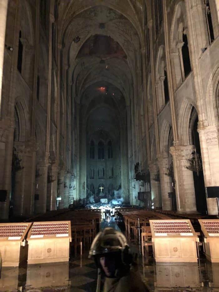 Основные возгорания в соборе Парижской Богоматери потушены, - французские СМИ